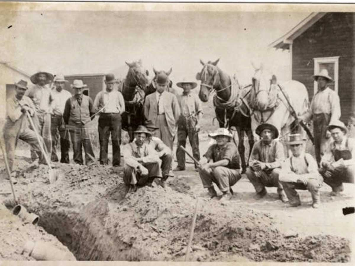 Historical - Building a Moxee Water Line in 1911